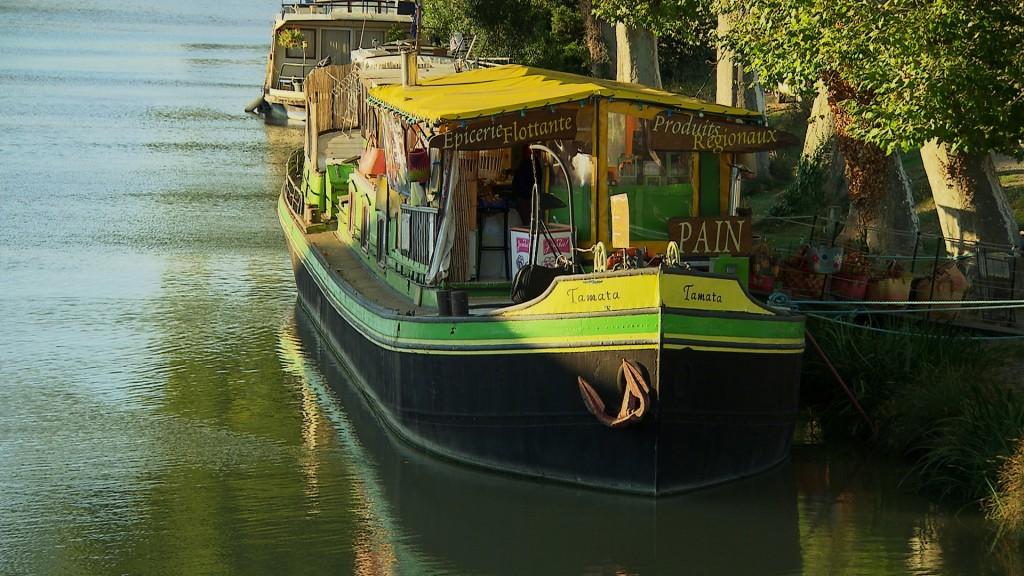 L'épicerie sur le canal